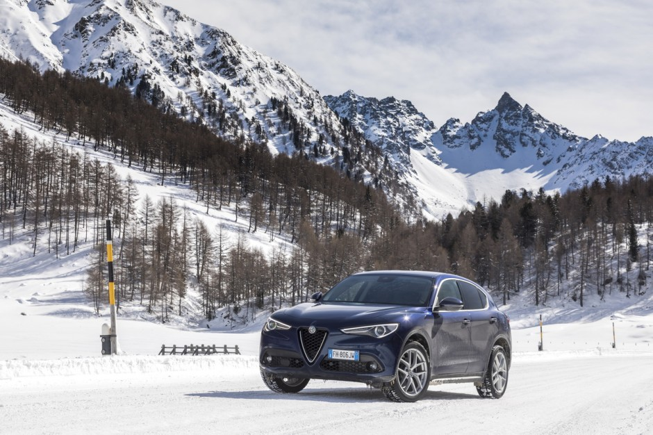 essai alfa romeo stelvio 2017 notre avis sur le 2 2 diesel 210 ch photo 1 l 39 argus. Black Bedroom Furniture Sets. Home Design Ideas