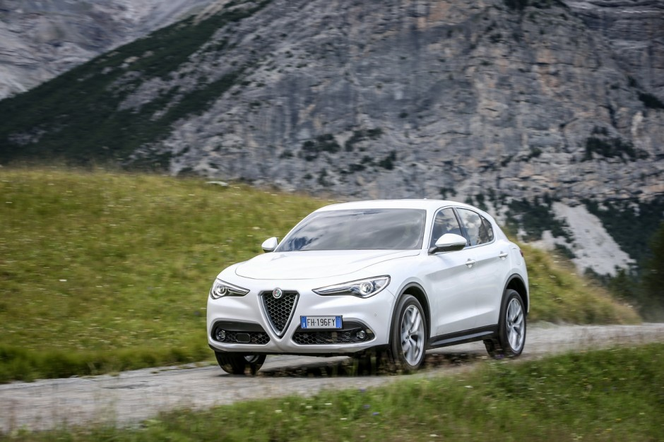 essai alfa romeo stelvio 2 2 diesel 180 notre avis sur le stevio 4x2 photo 5 l 39 argus. Black Bedroom Furniture Sets. Home Design Ideas