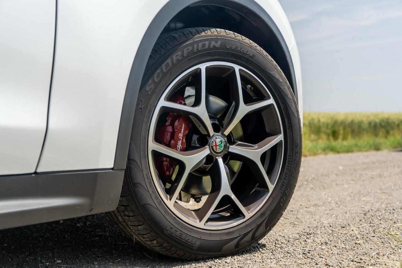 Essai Alfa Romeo Stelvio 2.2 Diesel 160 : le test du premier ...