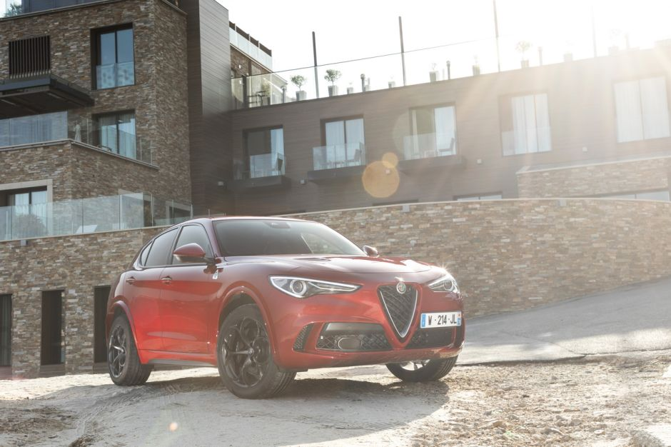 essai alfa romeo stelvio quadrifoglio alfa plus fort que porsche photo 32 l 39 argus. Black Bedroom Furniture Sets. Home Design Ideas