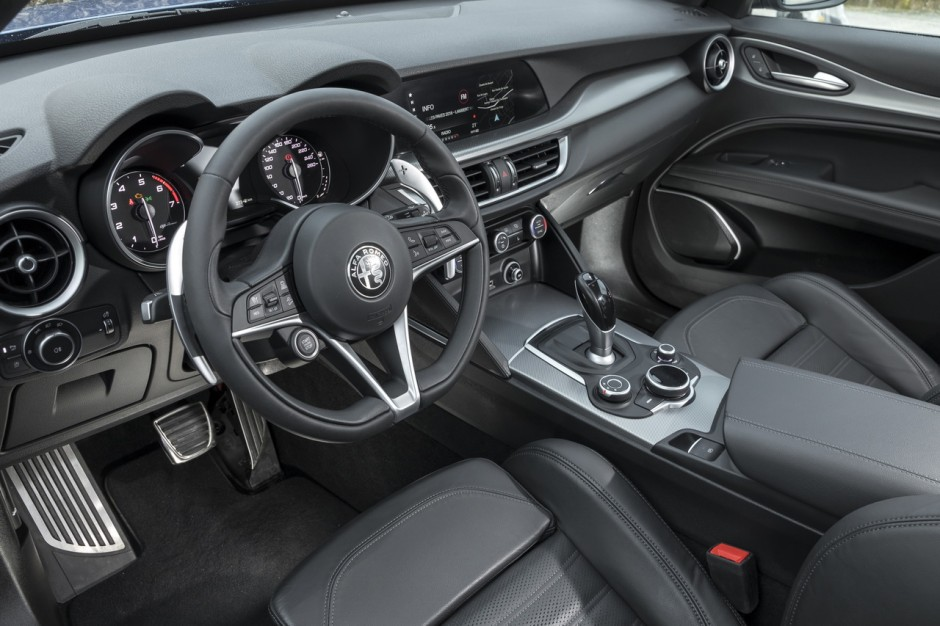 essai alfa romeo stelvio 2 0 t 200 notre avis sur l 39 essence 1er prix photo 31 l 39 argus. Black Bedroom Furniture Sets. Home Design Ideas