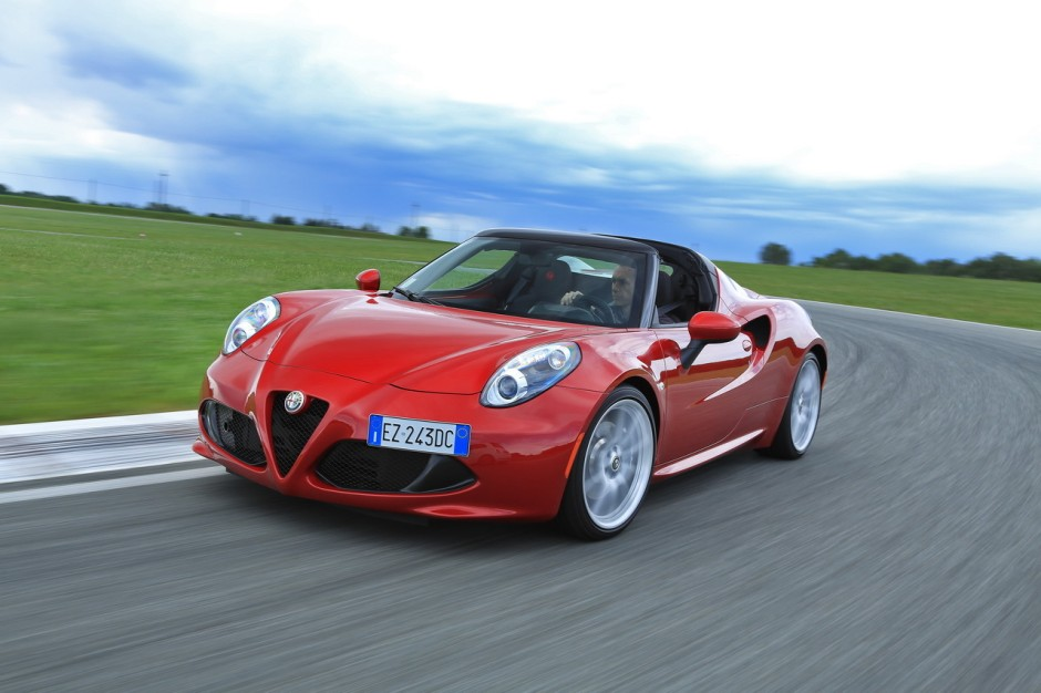 essai alfa romeo 4c spider un joujou extra prix d 39 or photo 1 l 39 argus. Black Bedroom Furniture Sets. Home Design Ideas