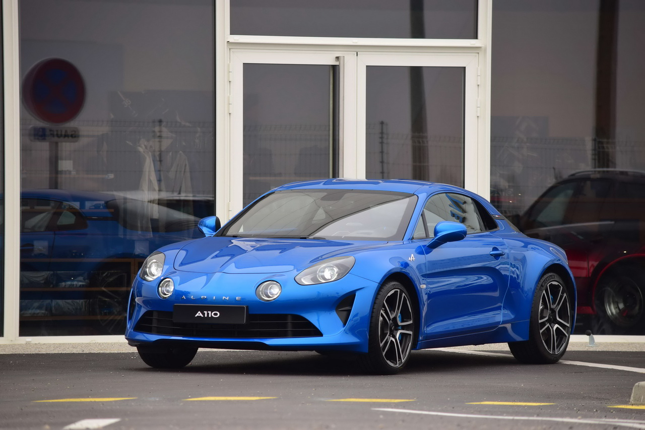 une alpine a110 neuve vendre aux ench res photo 1 l 39 argus. Black Bedroom Furniture Sets. Home Design Ideas