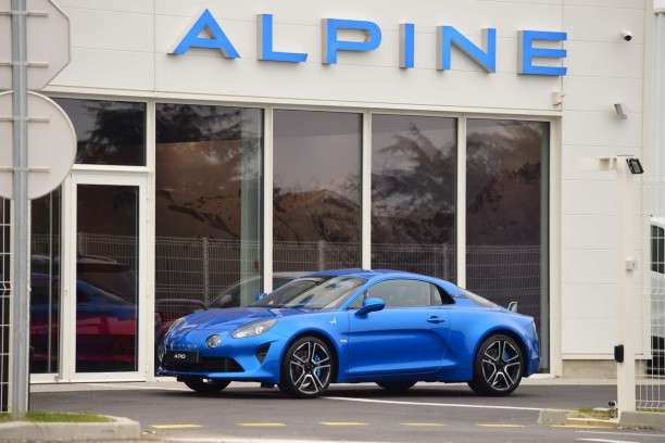 une alpine a110 neuve vendre aux ench res l 39 argus. Black Bedroom Furniture Sets. Home Design Ideas