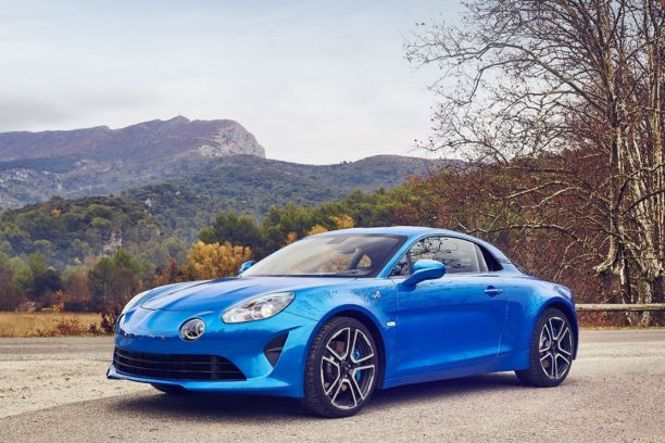 alpine a110 premi re edition le tout premier exemplaire aux ench res l 39 argus. Black Bedroom Furniture Sets. Home Design Ideas