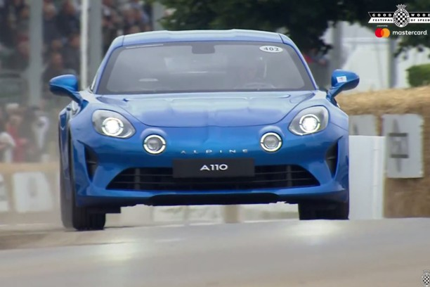 l 39 alpine a110 en piste au festival of speed de goodwood l 39 argus. Black Bedroom Furniture Sets. Home Design Ideas