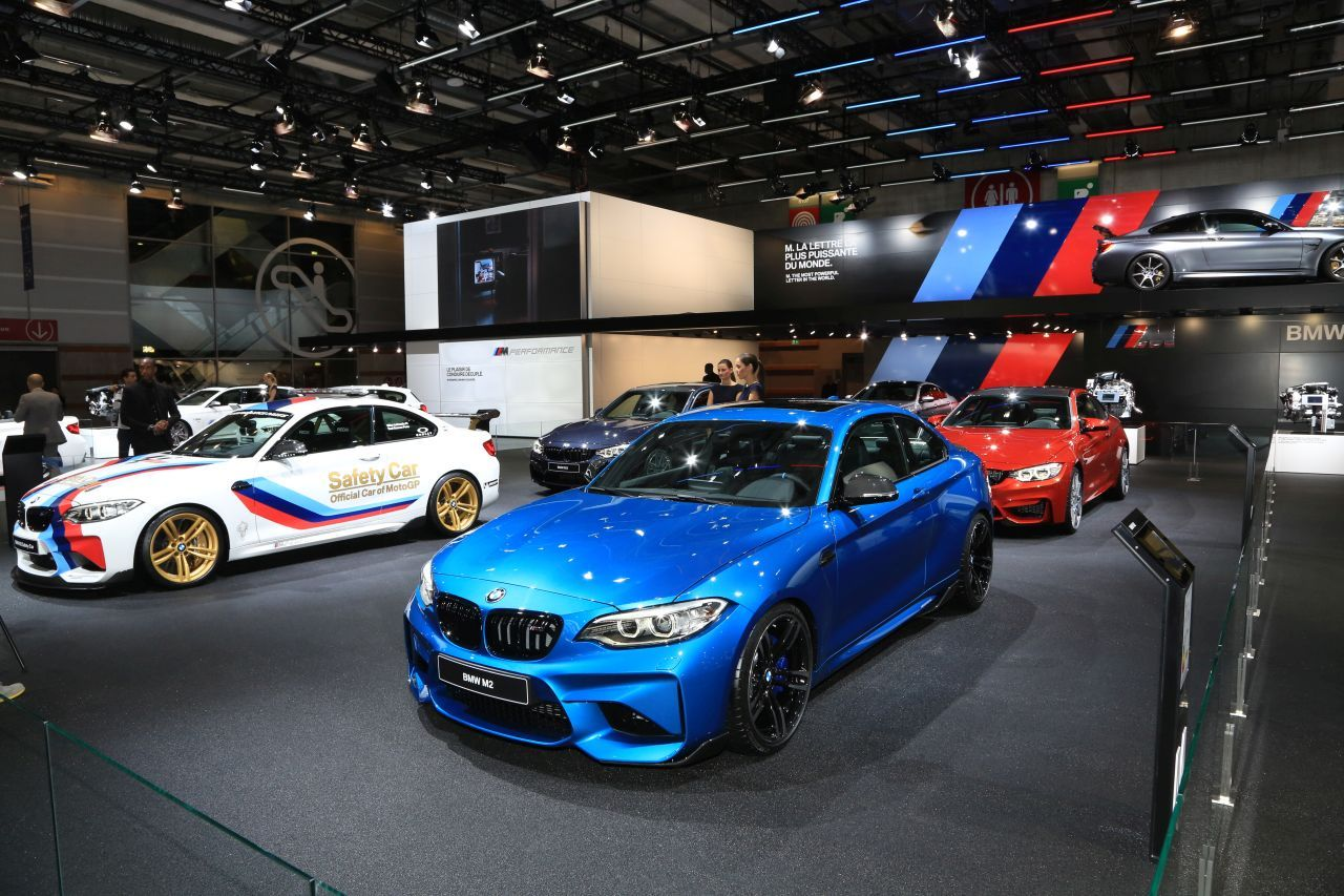 stand bmw m au mondial de l 39 auto 2016 sportivit assum e l 39 argus. Black Bedroom Furniture Sets. Home Design Ideas