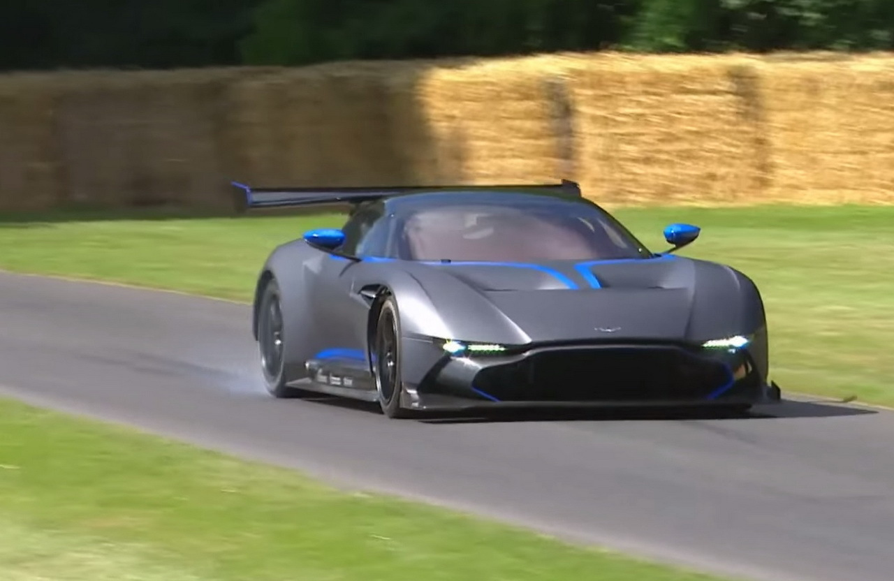 vid o l 39 aston martin vulcan l 39 assaut du circuit de goodwood l 39 argus. Black Bedroom Furniture Sets. Home Design Ideas