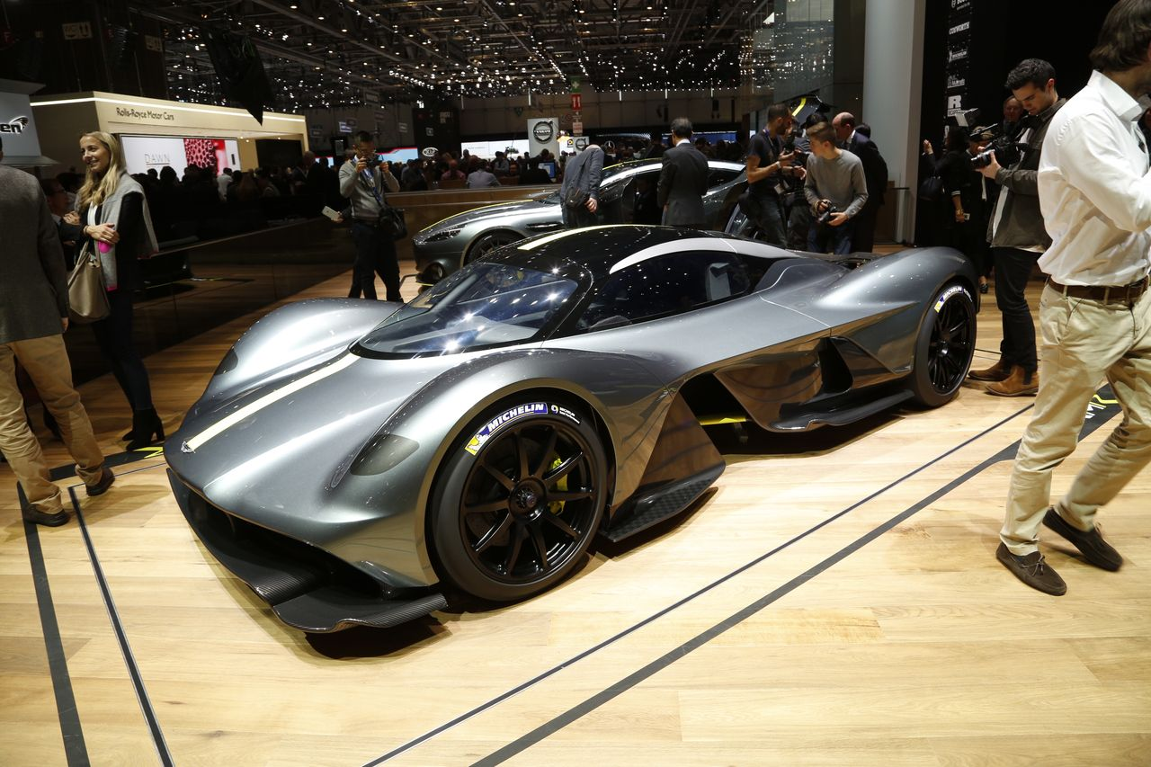 Aston Martin AM-RB 001, la Walkyrie entame sa chevauchée