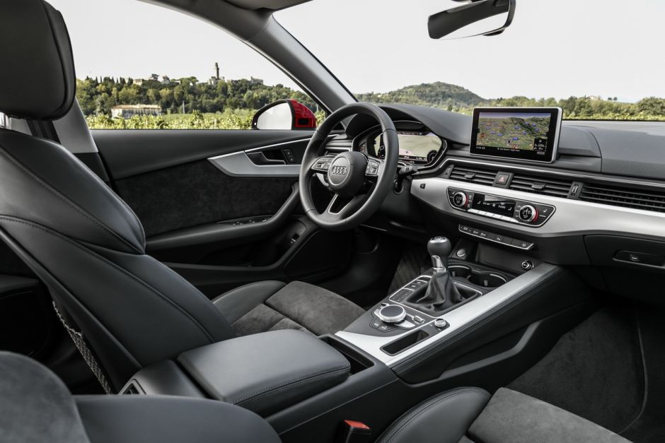 https://www.largus.fr/images/images/audi-a4-2015-17.jpg?width=940&quality=80