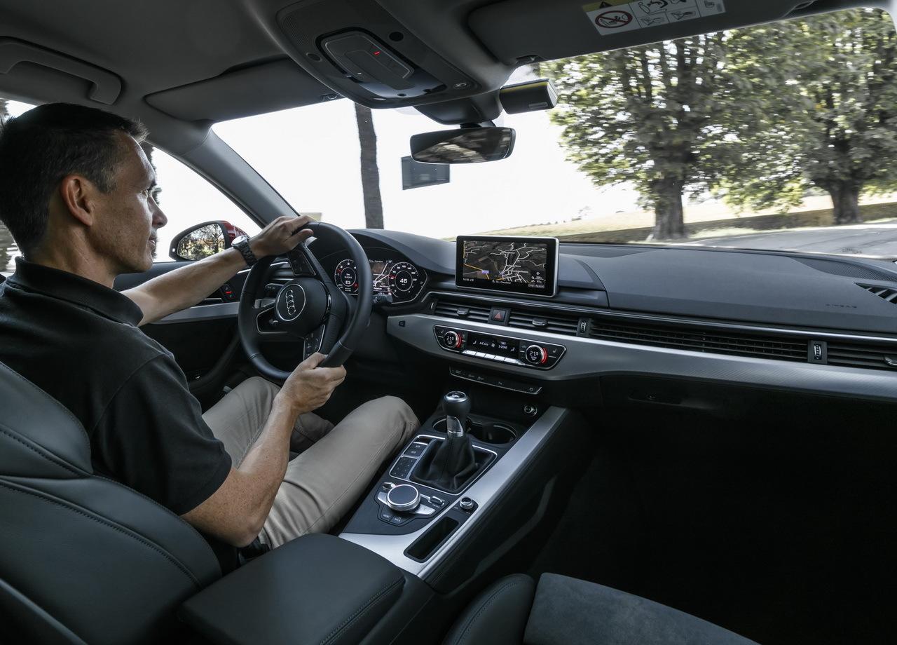 Essai audi a4 2015 le meilleur est l 39 int rieur for Audi a4 interieur