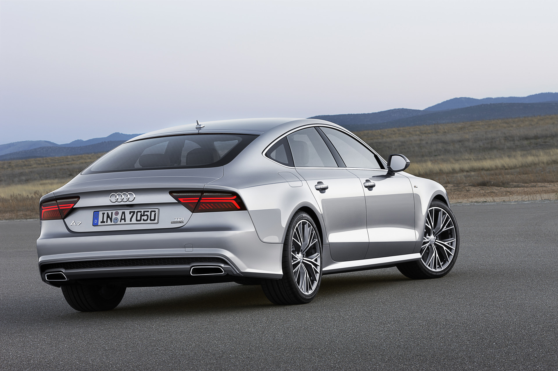 audi a7 sportback 2018 toutes les infos et photos officielles photo 7 l 39 argus. Black Bedroom Furniture Sets. Home Design Ideas
