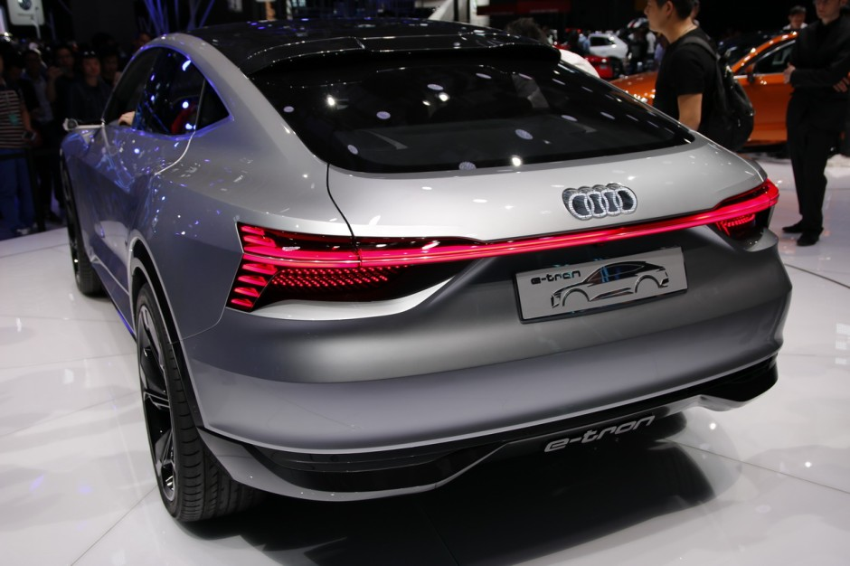 salon shanghai 2017 tous les nouveaux suv en images audi e tron sportback concept l 39 argus. Black Bedroom Furniture Sets. Home Design Ideas