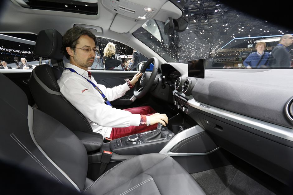 Audi q2 les photos du nouveau petit suv audi bienvenue for Audi 80 interieur