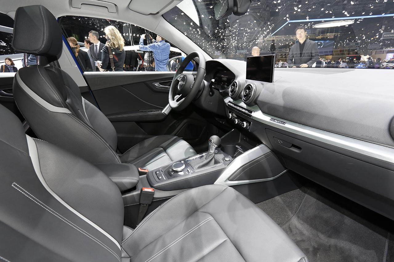 Audi q2 les photos du nouveau petit suv audi a la for Interieur q2