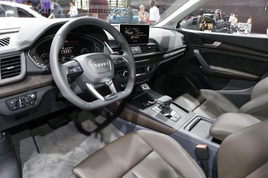 Audi q5 au mondial 2016 premi res impressions bord du for Interieur q5