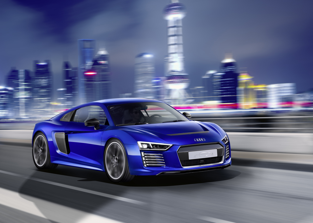 audi r8 e tron piloted driving un concept de supercar semi autonome l 39 argus. Black Bedroom Furniture Sets. Home Design Ideas