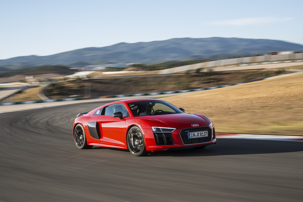 essai audi r8 v10 plus 2015 l 39 efficacit tout prix photo 23 l 39 argus. Black Bedroom Furniture Sets. Home Design Ideas
