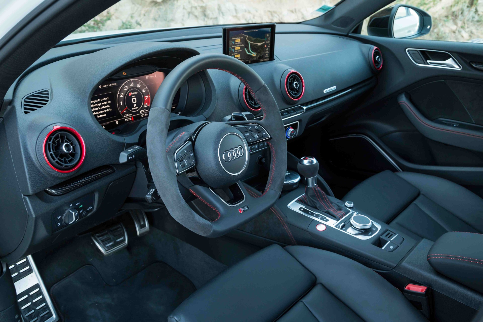 essai audi rs3 berline 2018 notre avis sur l 39 a3 de 400 ch photo 39 l 39 argus. Black Bedroom Furniture Sets. Home Design Ideas