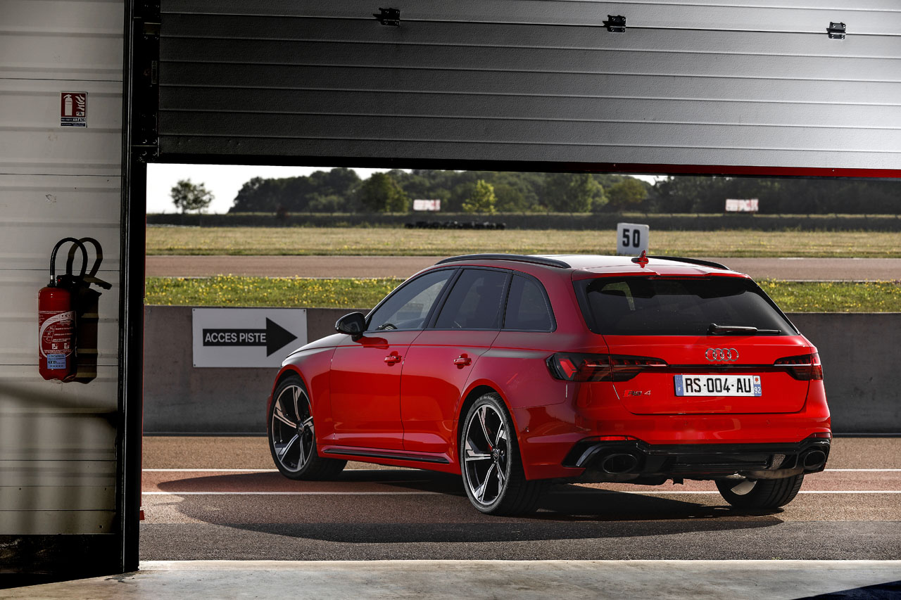 2018 - [Audi] A4 restylée  - Page 6 Audi-rs4-22
