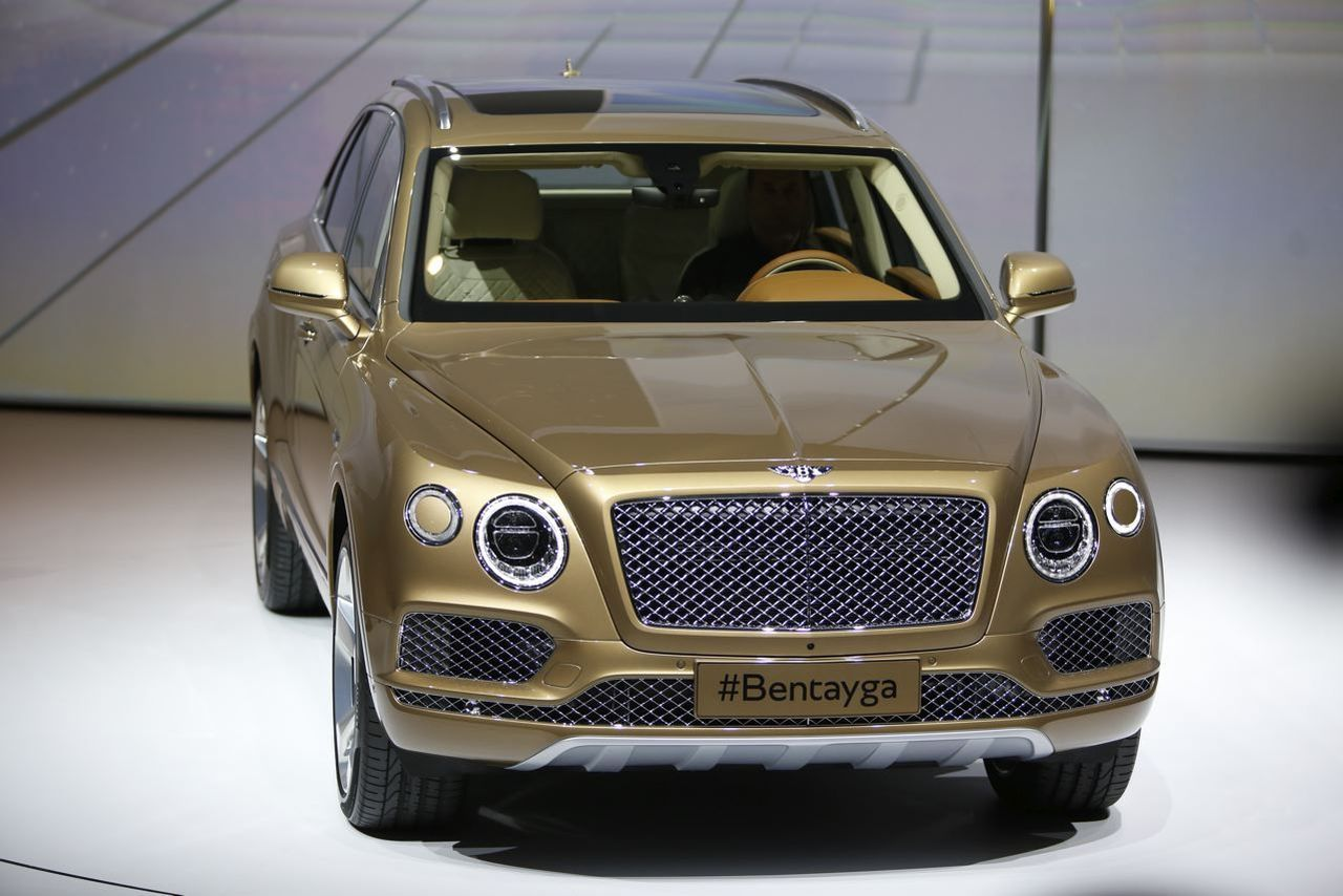 bentley bentayga 2016 le meilleur suv au monde. Black Bedroom Furniture Sets. Home Design Ideas
