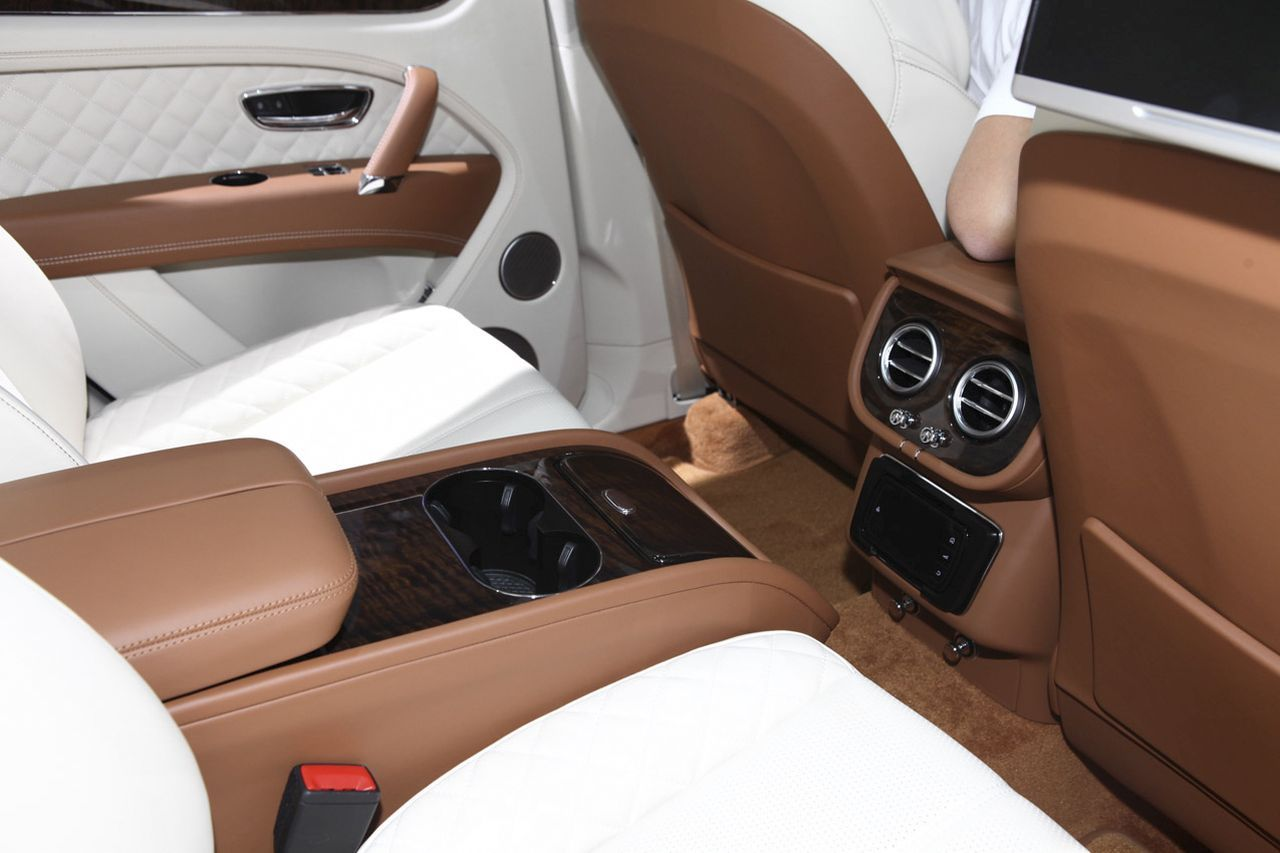 bentley bentayga 2016 le meilleur suv au monde photo 10 l 39 argus. Black Bedroom Furniture Sets. Home Design Ideas