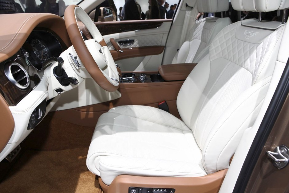 bentley bentayga 2016 le meilleur suv au monde photo 24 l 39 argus. Black Bedroom Furniture Sets. Home Design Ideas