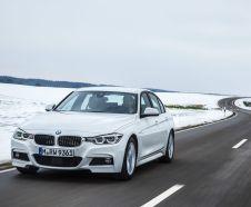 vue avant BMW 330e
