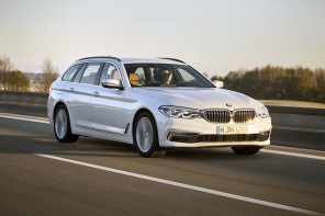 BMW 520d Touring : actions travelling AV droit