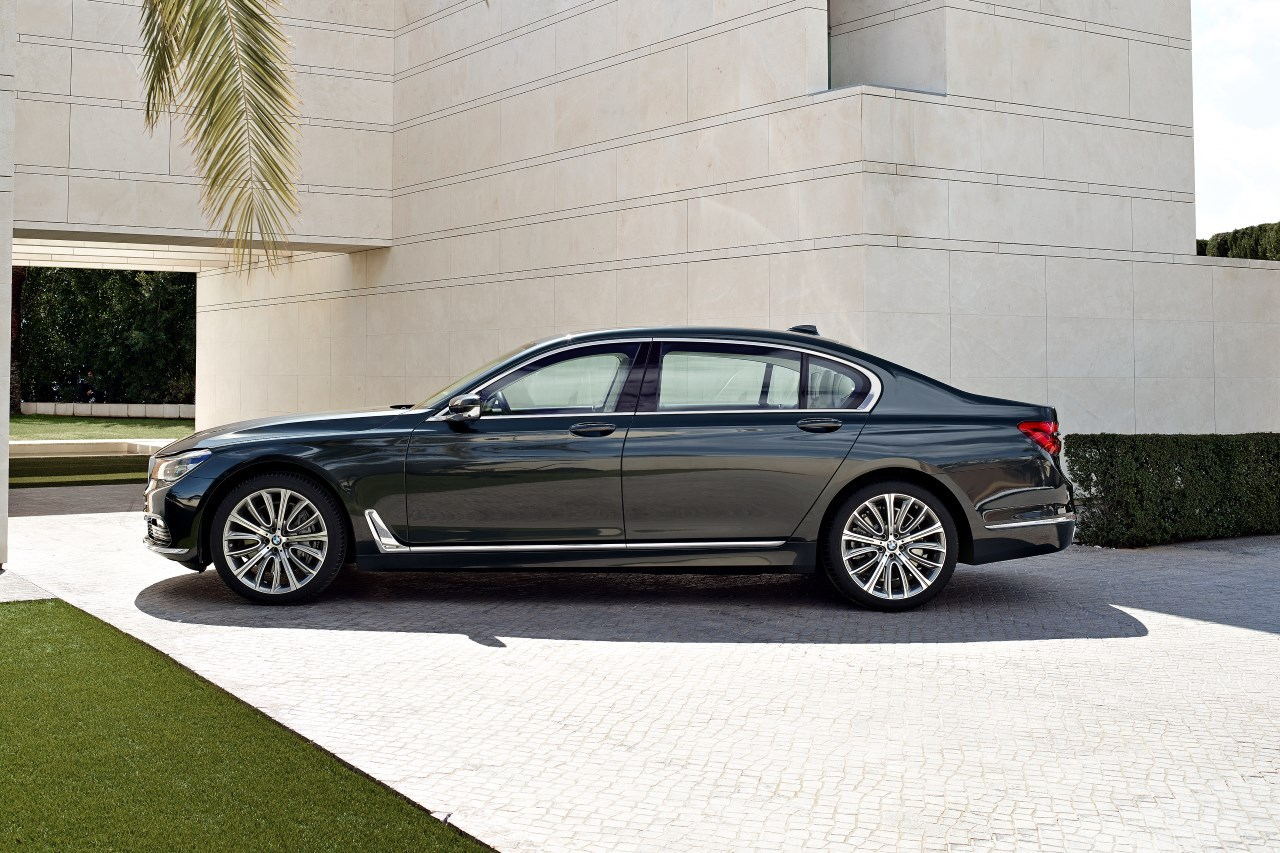 bmw 750d et 750ld xdrive 2016 avec 400 ch sous le capot l 39 argus. Black Bedroom Furniture Sets. Home Design Ideas