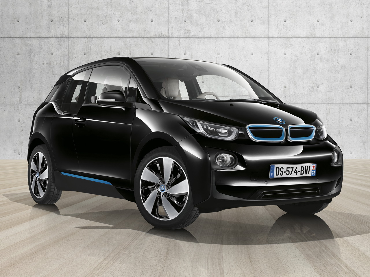 bmw i3 black edition une s rie sp ciale pour la bmw lectrique photo 1 l 39 argus. Black Bedroom Furniture Sets. Home Design Ideas