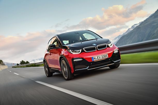 BMW i3s 2018 rouge travelling avant droit