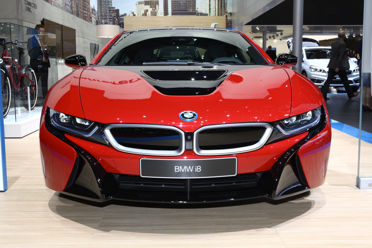 bmw i8 protonic red la i8 voit rouge gen ve l 39 argus. Black Bedroom Furniture Sets. Home Design Ideas