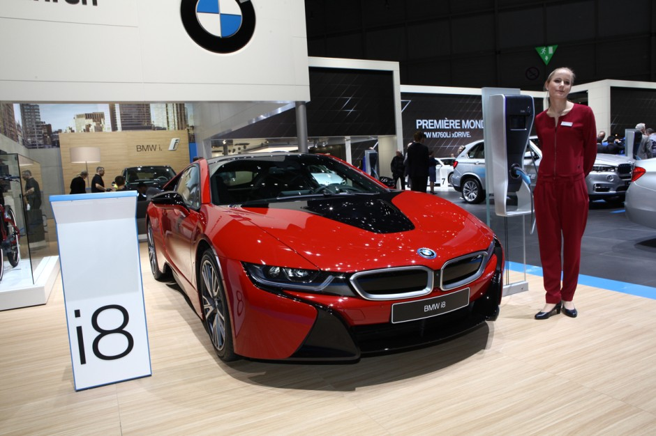 bmw i8 protonic red la i8 voit rouge gen ve photo 5 l 39 argus. Black Bedroom Furniture Sets. Home Design Ideas
