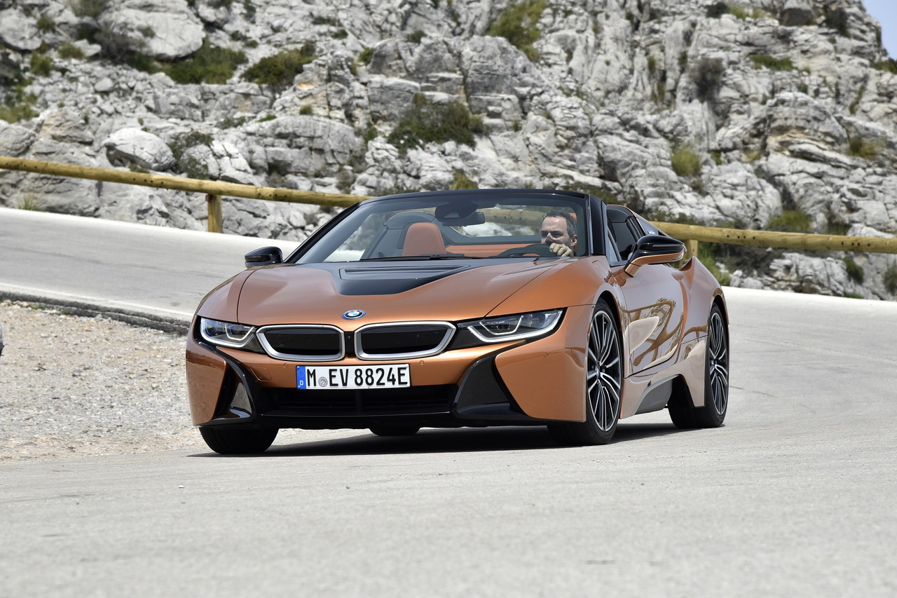 essai bmw i8 roadster l 39 air pur lui va si bien photo 1 l 39 argus. Black Bedroom Furniture Sets. Home Design Ideas
