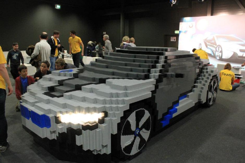 lego quand les petites briques jouent aux grandes voitures bmw i8 l 39 argus. Black Bedroom Furniture Sets. Home Design Ideas