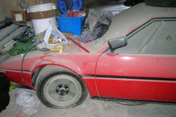 Une bmw m1 de 1981 retrouv e dans un garage en italie l - Garage qui rachete des voitures occasion ...