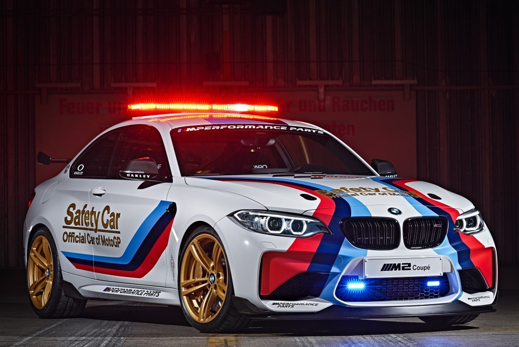 la bmw m2 joue la safety car au championnat de motogp photo 2 l 39 argus. Black Bedroom Furniture Sets. Home Design Ideas