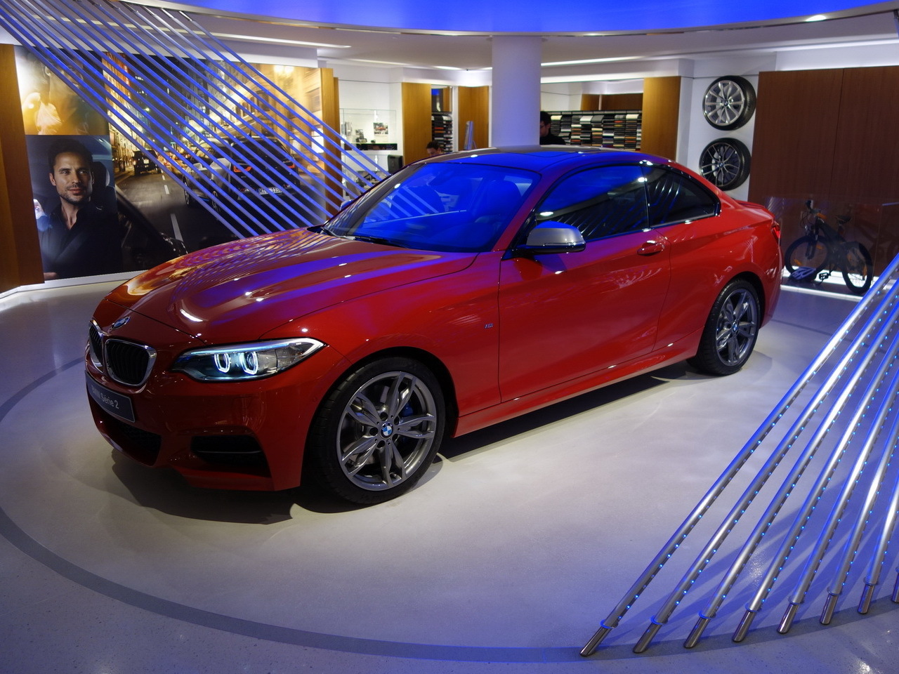 bmw s rie 2 coup bmw m235i prix photos et vid os de la nouvelle s rie 2 2014 salon de. Black Bedroom Furniture Sets. Home Design Ideas