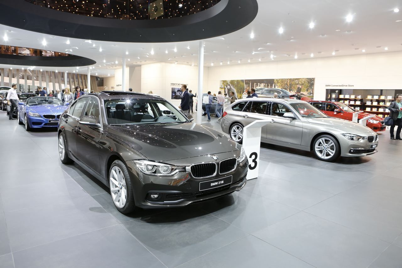 nouvelle bmw s rie 3 2016 la s rie 3 restyl e francfort photo 6 l 39 argus. Black Bedroom Furniture Sets. Home Design Ideas