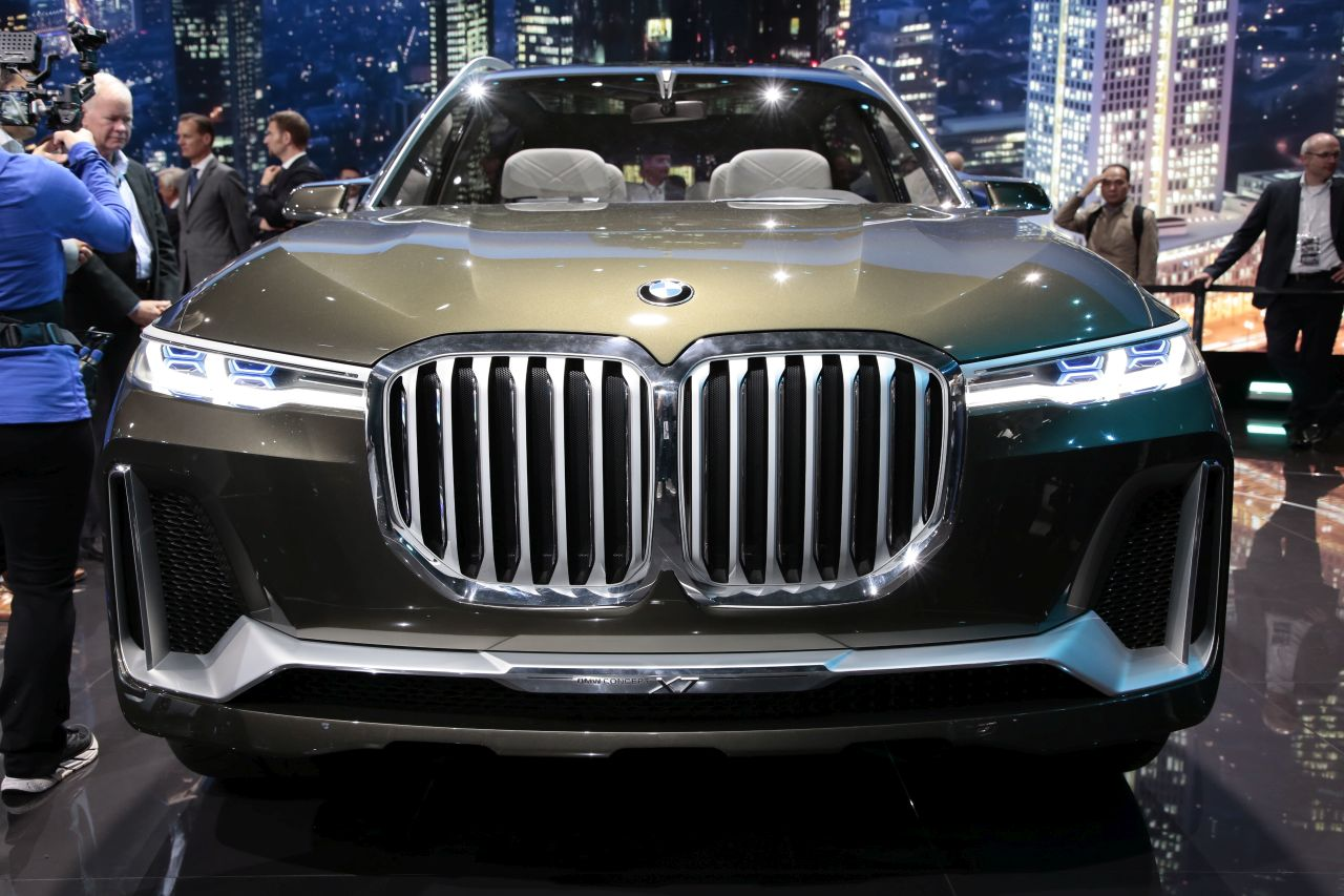 bmw concept x7 l 39 bord du suv xxl photo 3 l 39 argus. Black Bedroom Furniture Sets. Home Design Ideas