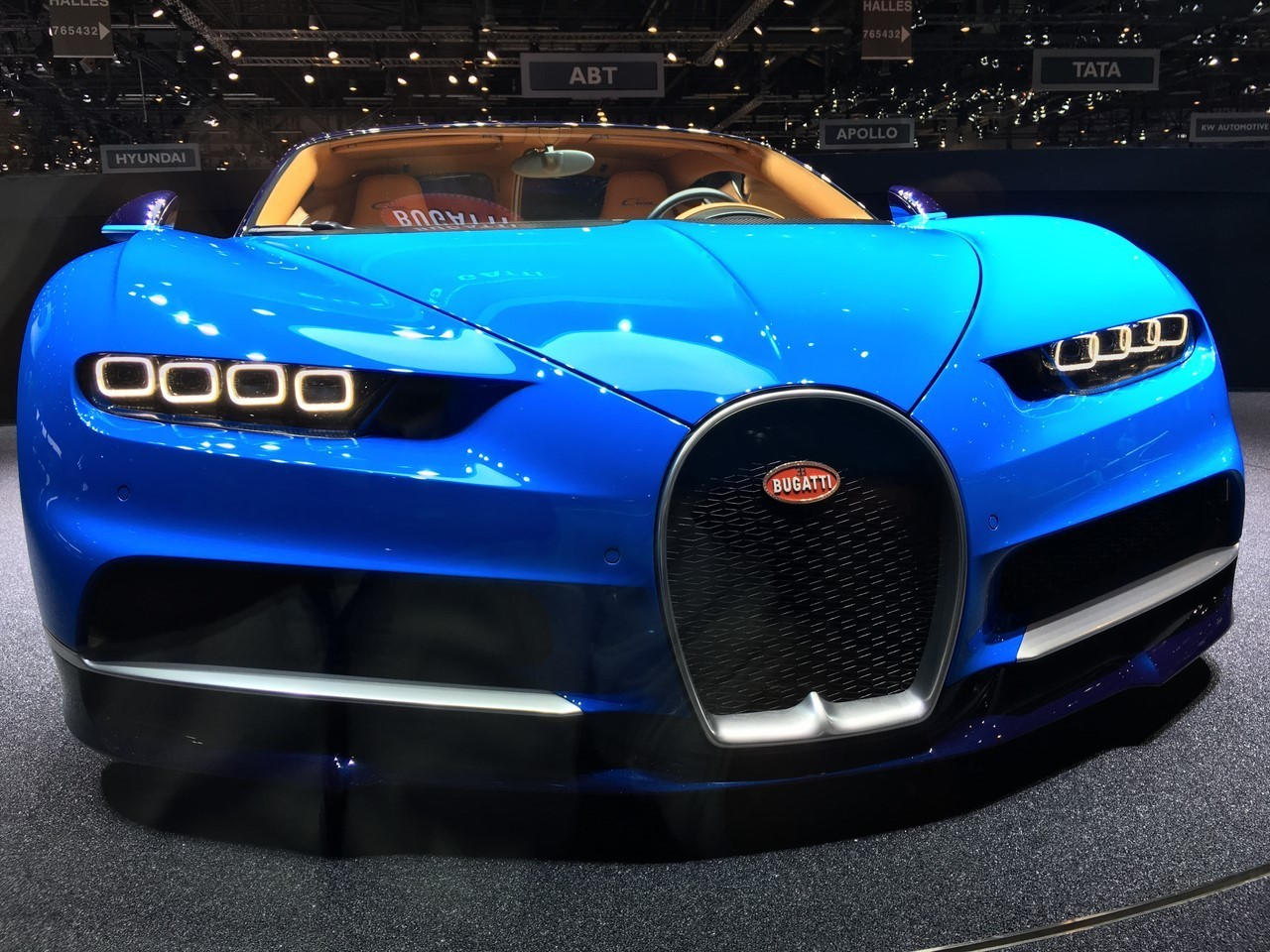 Bugatti chiron la nouvelle chiron se d voile au salon de for Salon de la photo 2016
