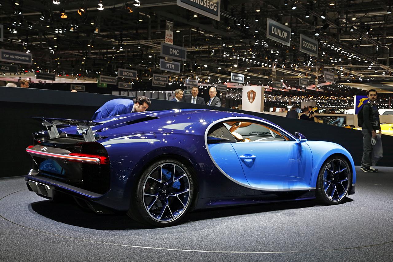 top des meilleures supercars du salon de gen ve 2016 bugatti chiron l 39. Black Bedroom Furniture Sets. Home Design Ideas