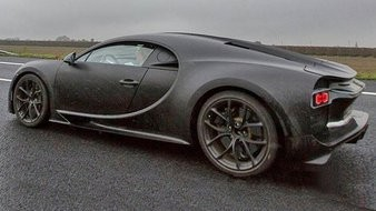 bugatti chiron la version de s rie roule sur circuit photo 1 l 39 argus. Black Bedroom Furniture Sets. Home Design Ideas