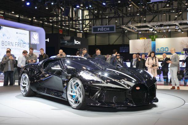 bugatti voiture noire le prix de l 39 exclusivit l 39 argus. Black Bedroom Furniture Sets. Home Design Ideas
