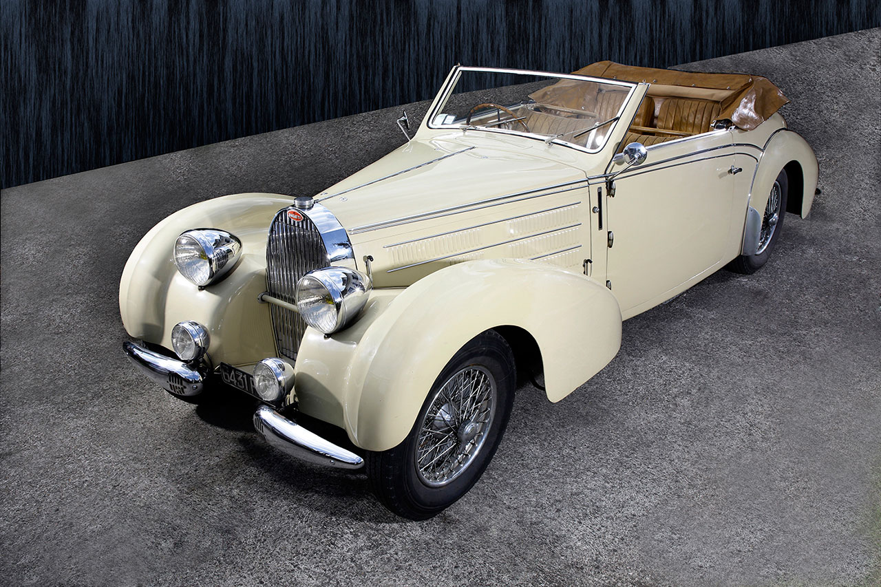 record de vente pour une bugatti 57 stelvio voitures. Black Bedroom Furniture Sets. Home Design Ideas