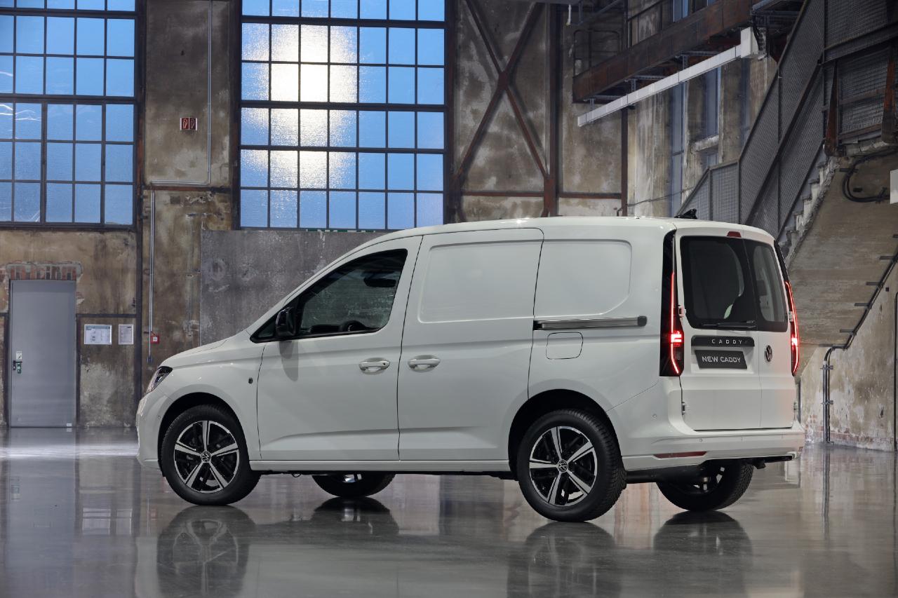 Volkswagen Caddy Cargo (2020) : la version utilitaire en ...