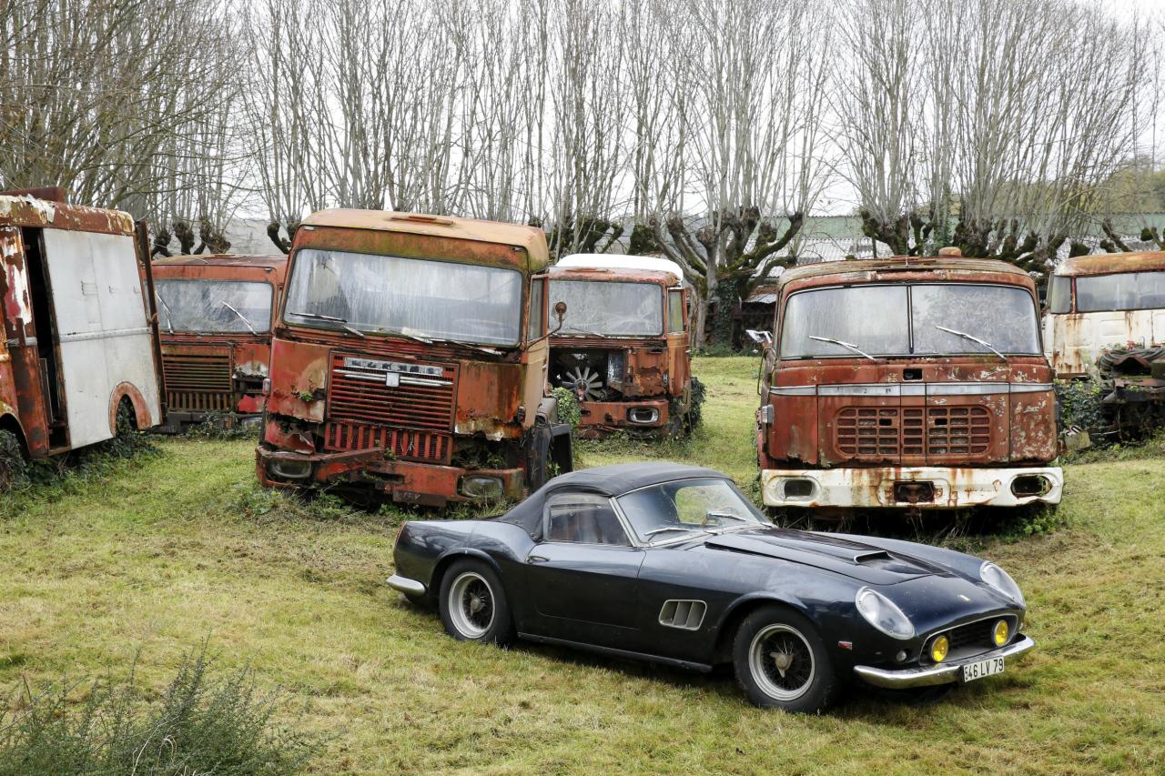 la collection baillon retour sur ce tr sor automobile en photos d 39 anciens camions l 39 argus. Black Bedroom Furniture Sets. Home Design Ideas