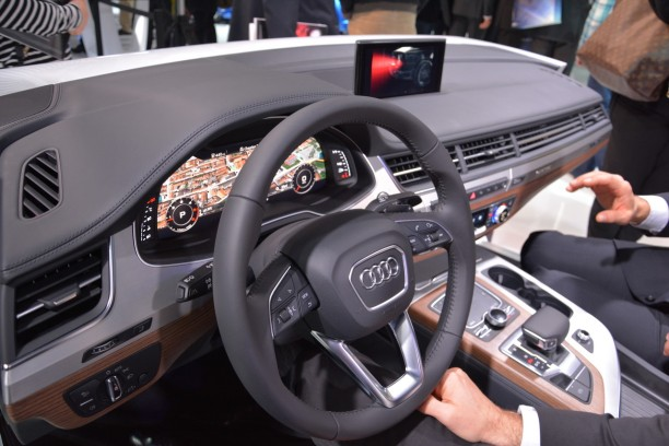 ces 2015 audi d voile l 39 habitacle du nouveau q7 l 39 argus. Black Bedroom Furniture Sets. Home Design Ideas