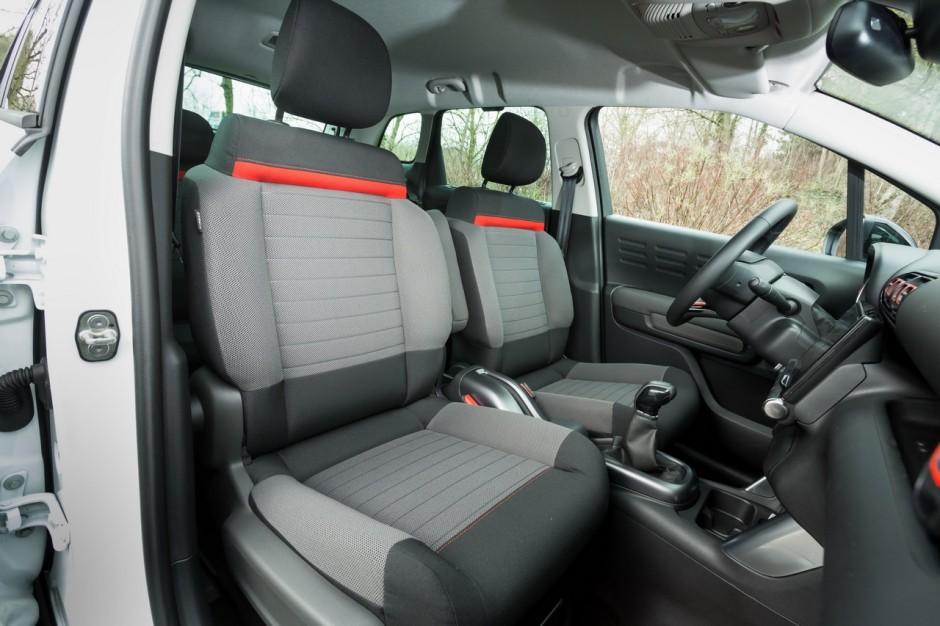 essai comparatif le seat arona d fie le citro n c3 aircross photo 37 l 39 argus. Black Bedroom Furniture Sets. Home Design Ideas